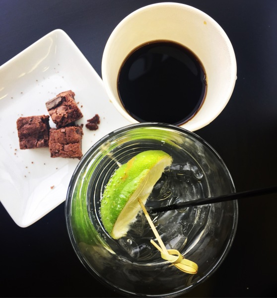 coffe-water-and-brownie