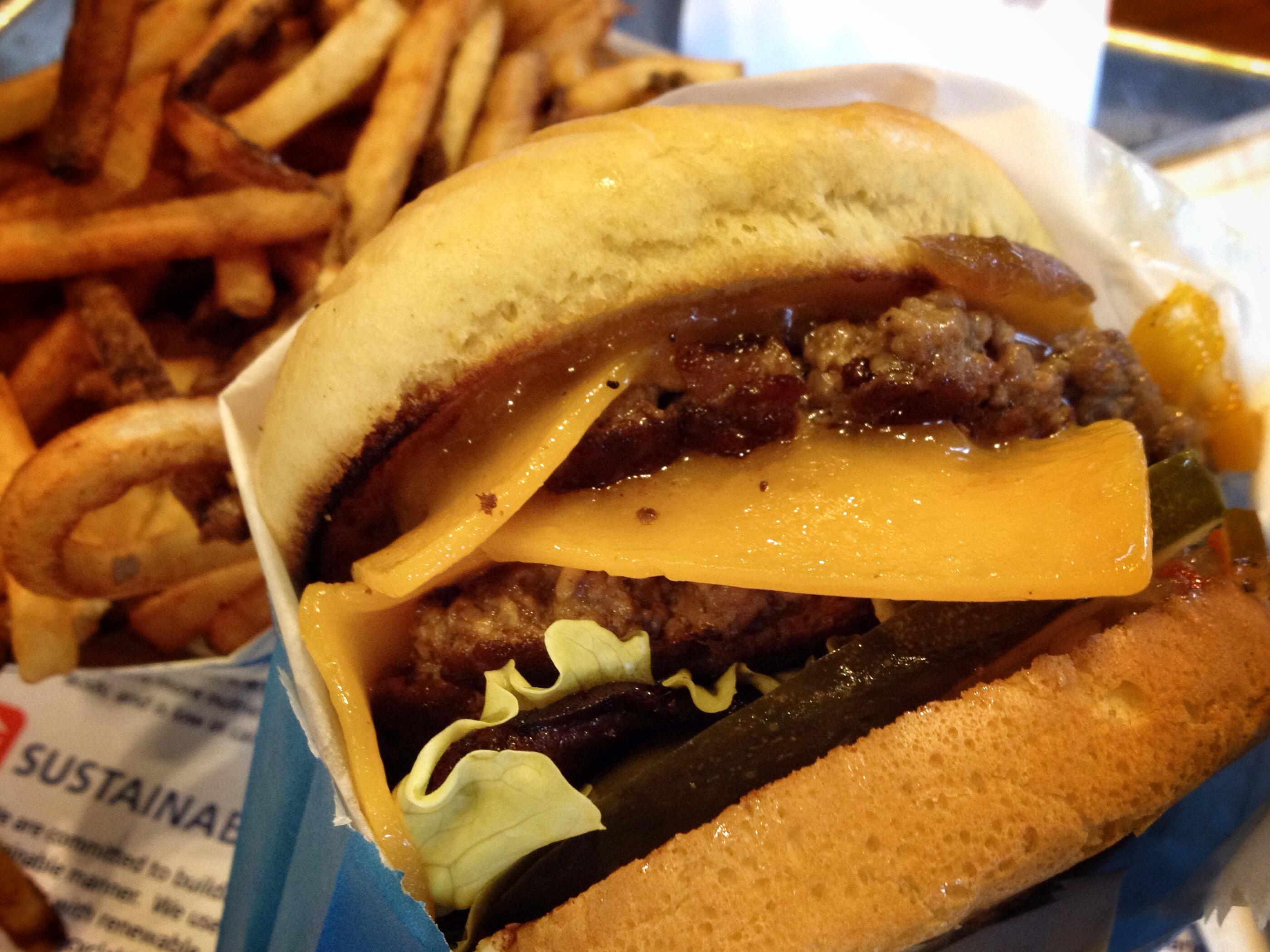 Burger grass-fed.jpg
